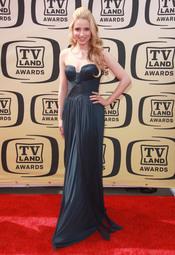 Dianna Agron con vestido largo palabra de honor