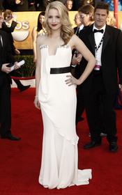 Dianna Agron con vestido blanco de gala