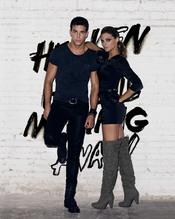 Mario Casas y Amaia Salamanca, una pareja de modelos