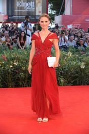 Natalie Portman con vestido de Rodarte