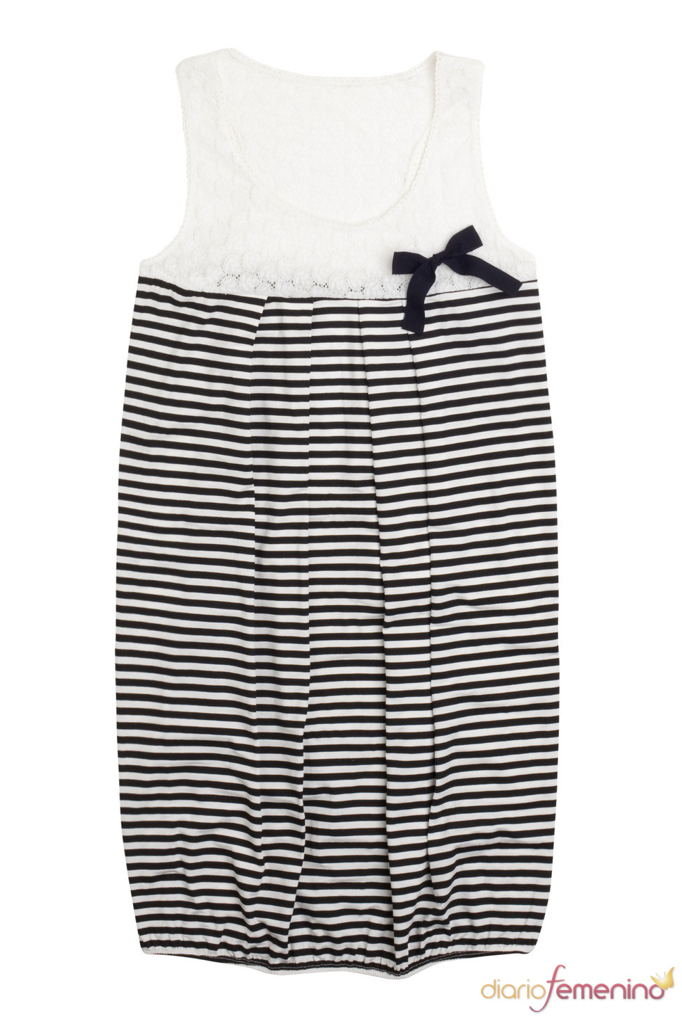 Vestido con rayas en blanco y negro