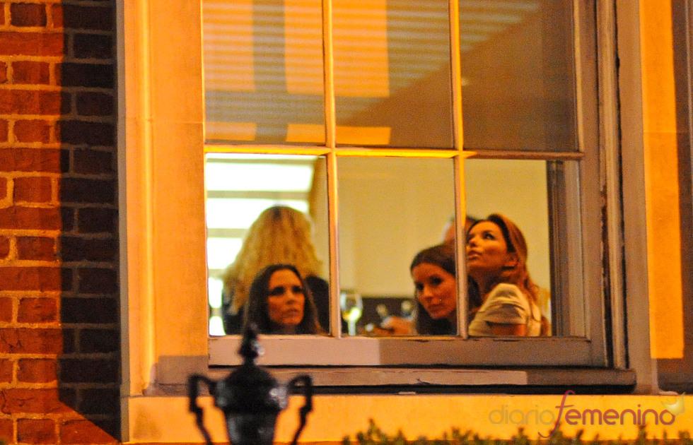 Victoria Beckham y Eva Longoria cenan en Londres