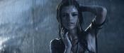 Selena Gomez, sensual bajo la lluvia
