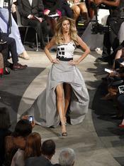 Gisele Bündchen desfila en la Noche de la Moda de Nueva York