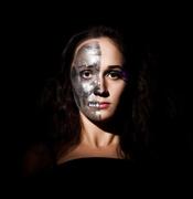 Maquillaje gris para Halloween