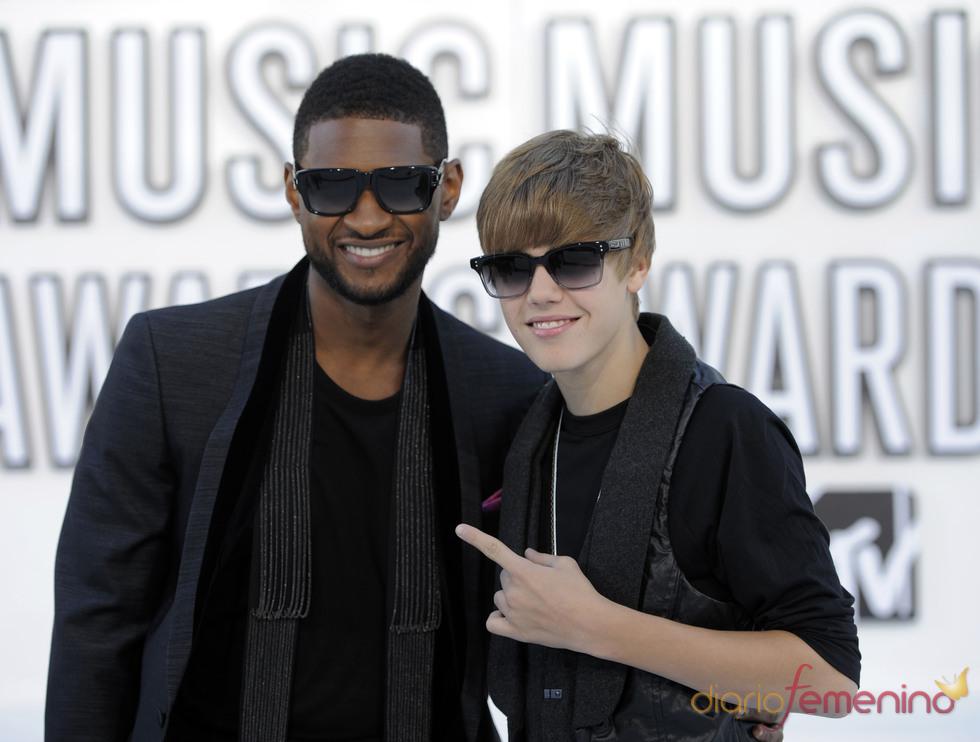 Usher y Justin Bieber en los MTV Video Music Awards