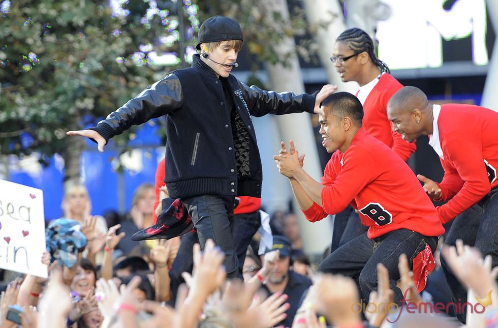 Justin Bieber actúa en los MTV Video Music Awards 2010