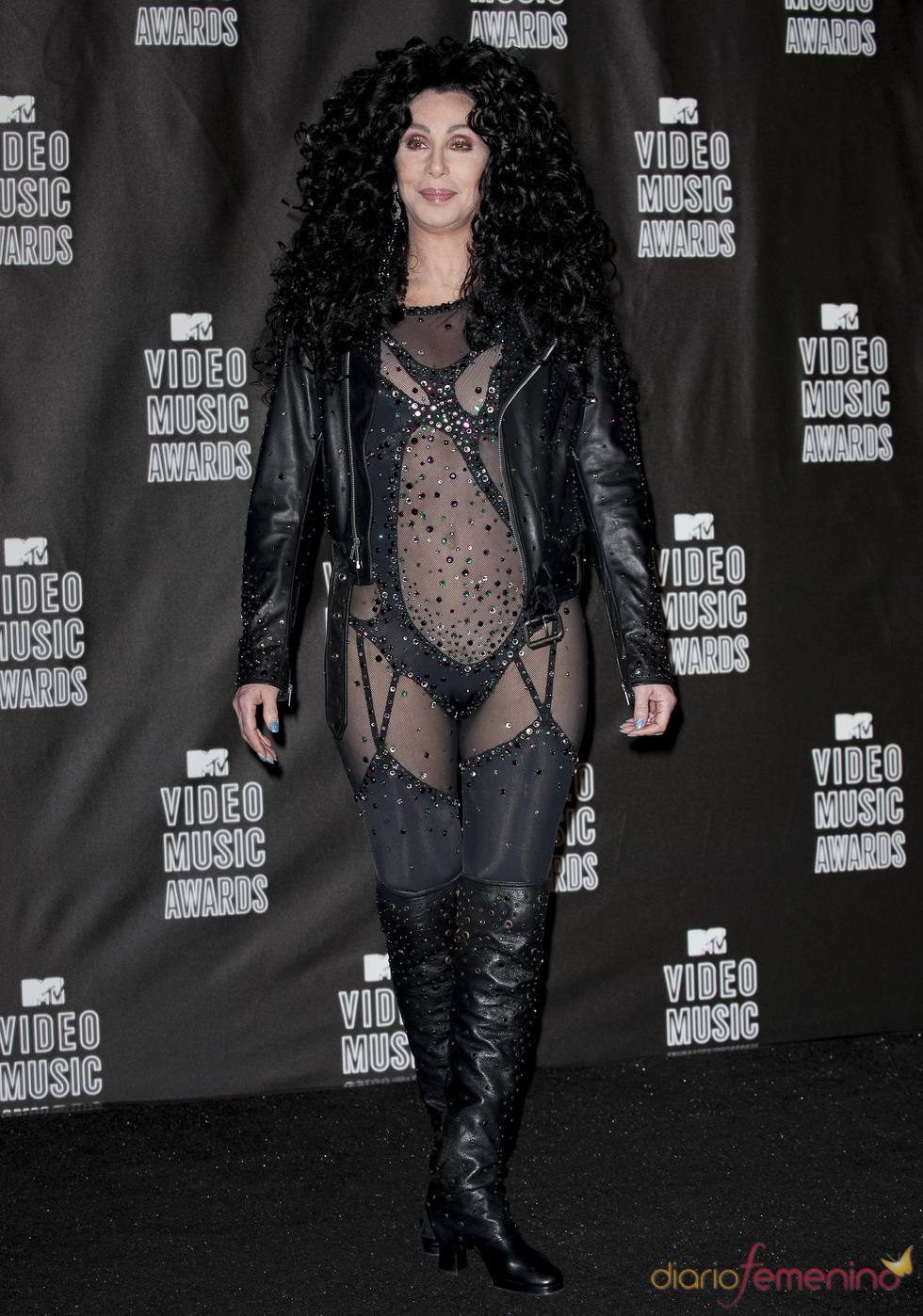 Una atrevida Cher en los MTV Video Music Awards 2010