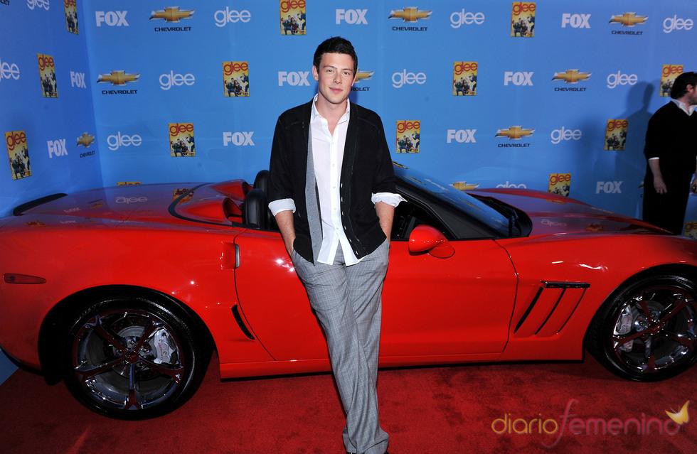 Cory Monteith con su nuevo Ferrari