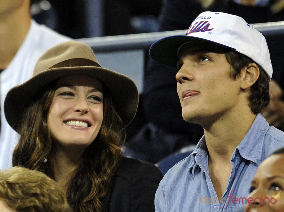 Liv Tyler y su novio en el US Open
