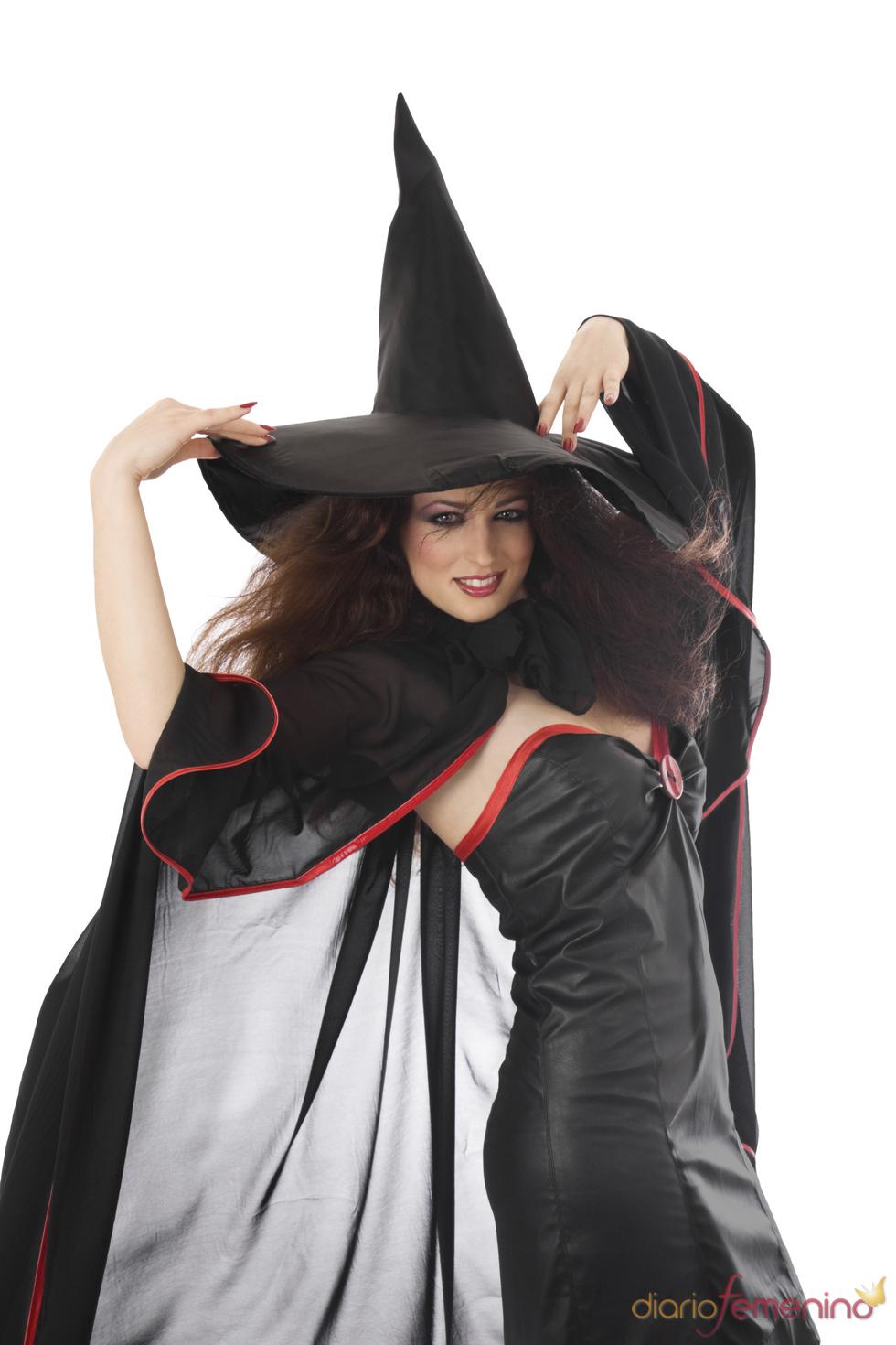 En Halloween, disfrazate de la bruja más glamurosa