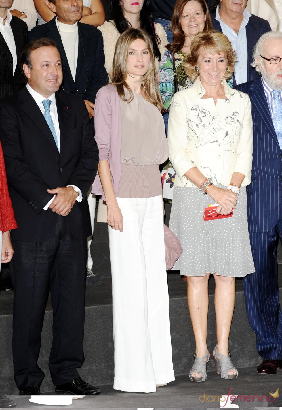 Letizia y Esperanza Aguirre en la apertura de la Pasarela Cibeles