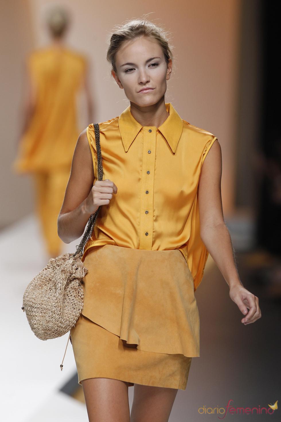 Sensual raso de Diana Dorado para la primavera verano de 2011