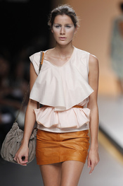 Look romántico de Diana Dorado para la primavera verano de 2010
