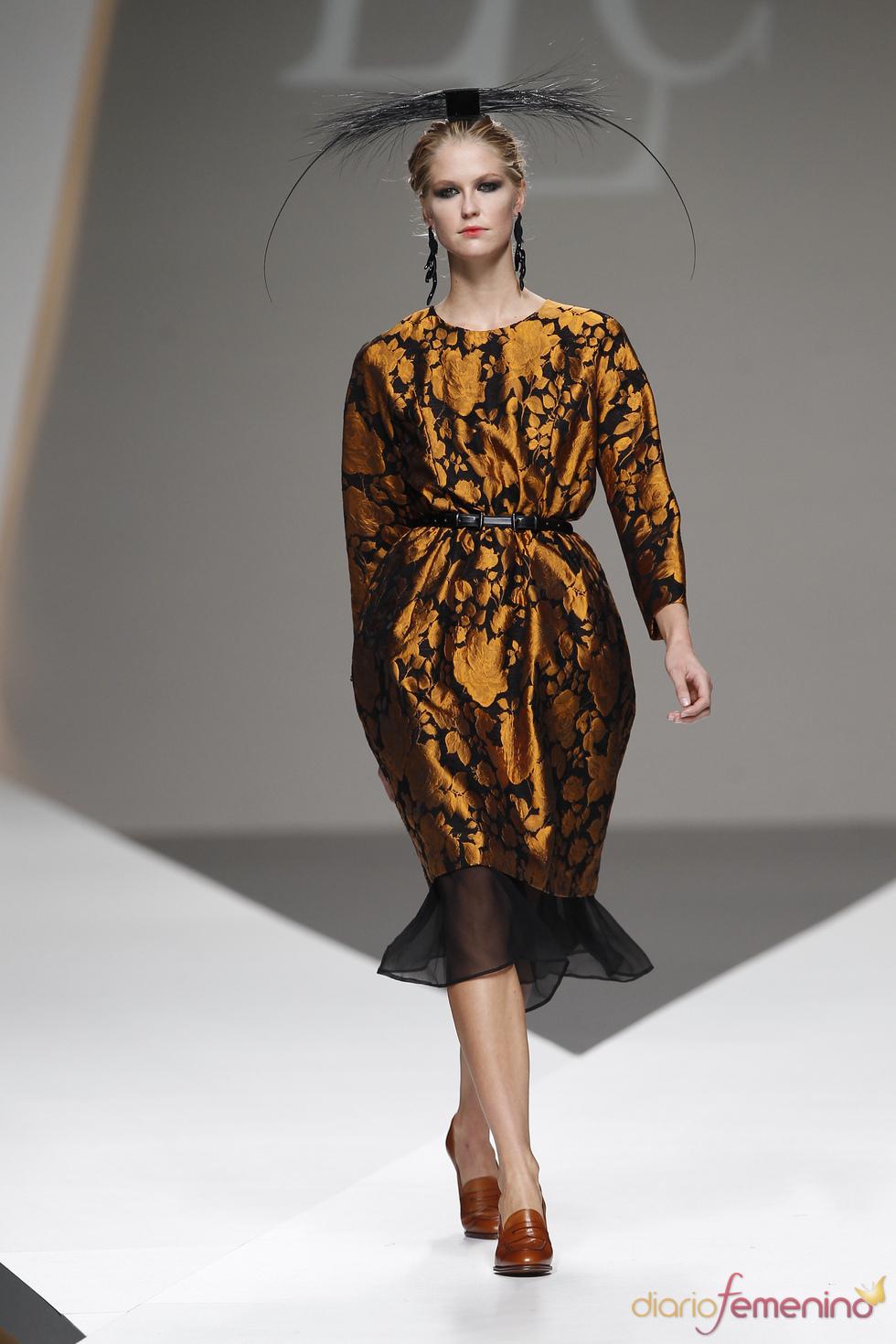 Vestido globo firmado por Lluis Corujo en la Madrid Fashion Week