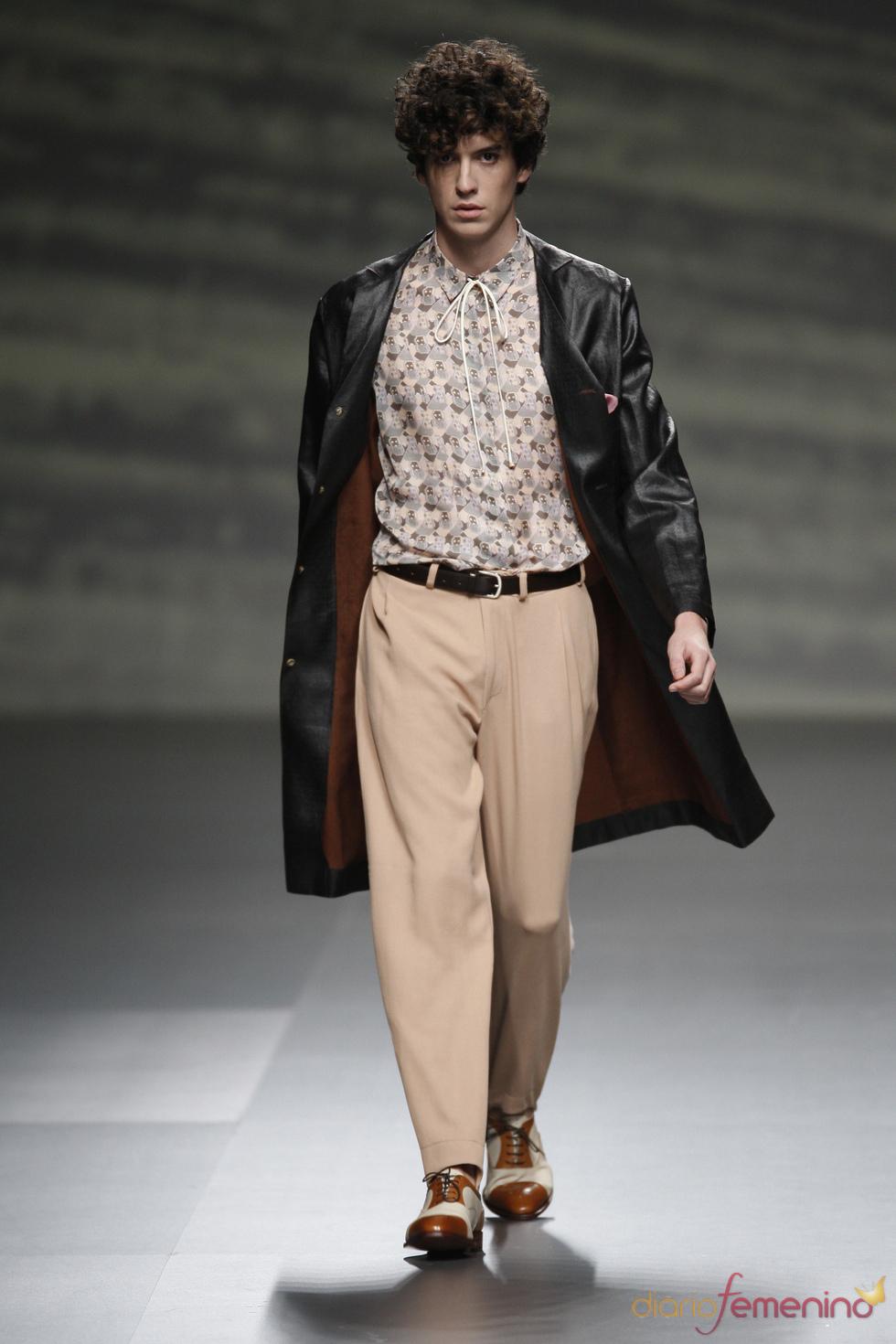 El hombre ideado por Martin Lamothe apuesta por los tonos pastel en la Madrid Fashion Week