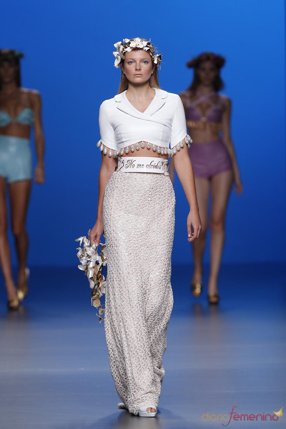 Maria Escoté titula como 'No me olvides' su desfile en la Madrid Fashion Week
