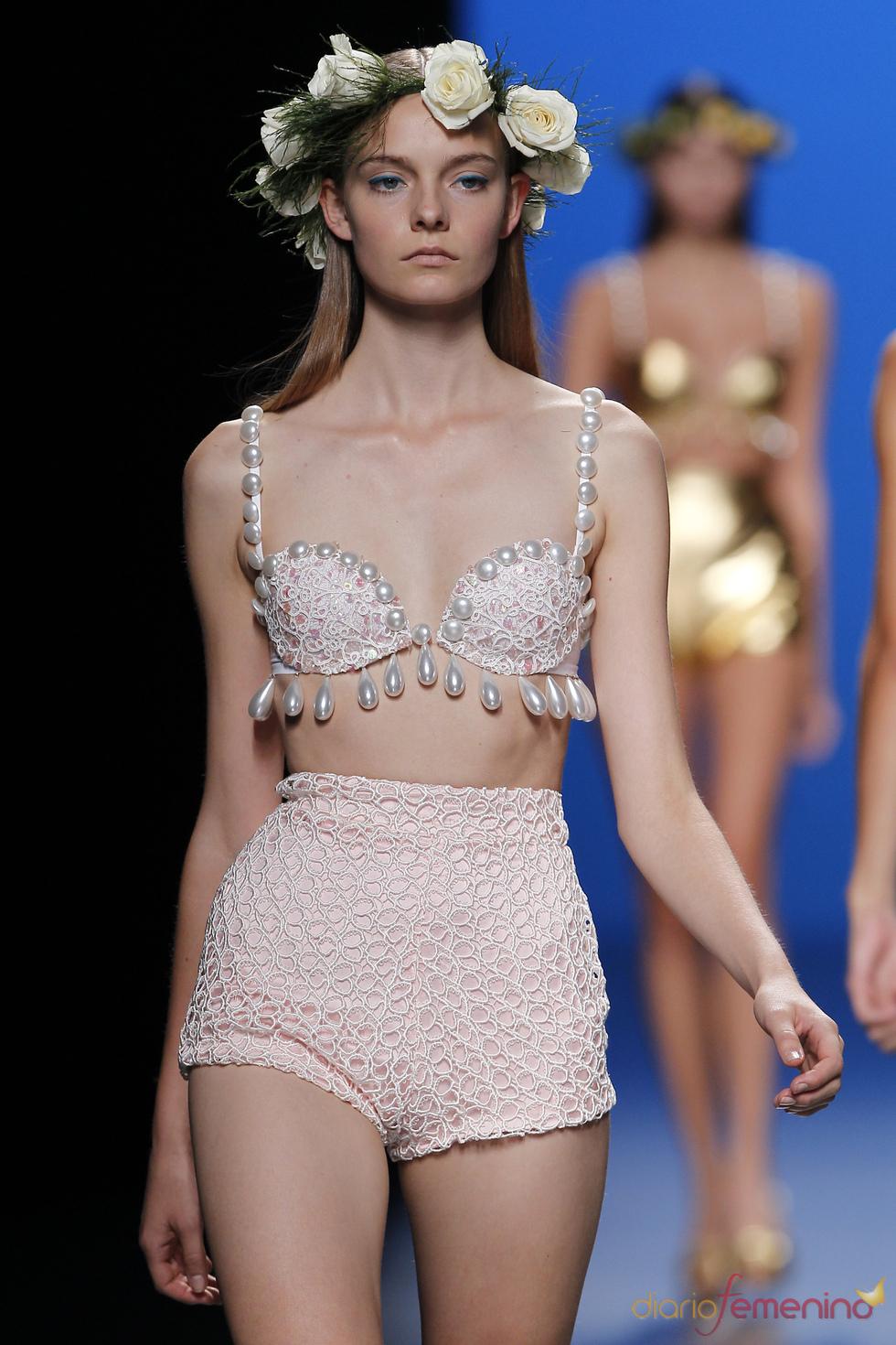 Bikini con encaje de María Escoté en la Madrid Fashion Week