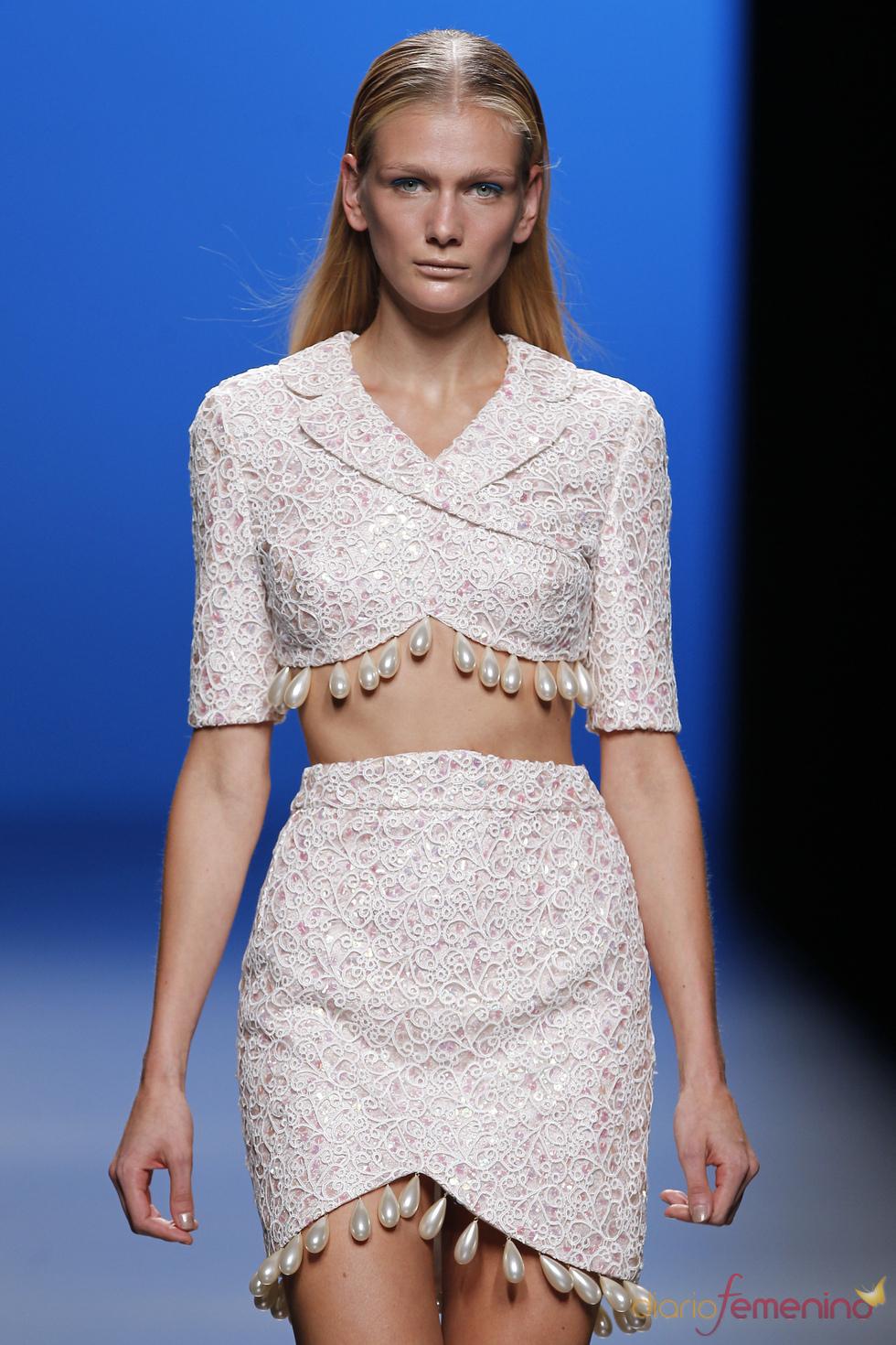 María Escoté reinventa el traje de chaqueta en la Madrid fashion Week
