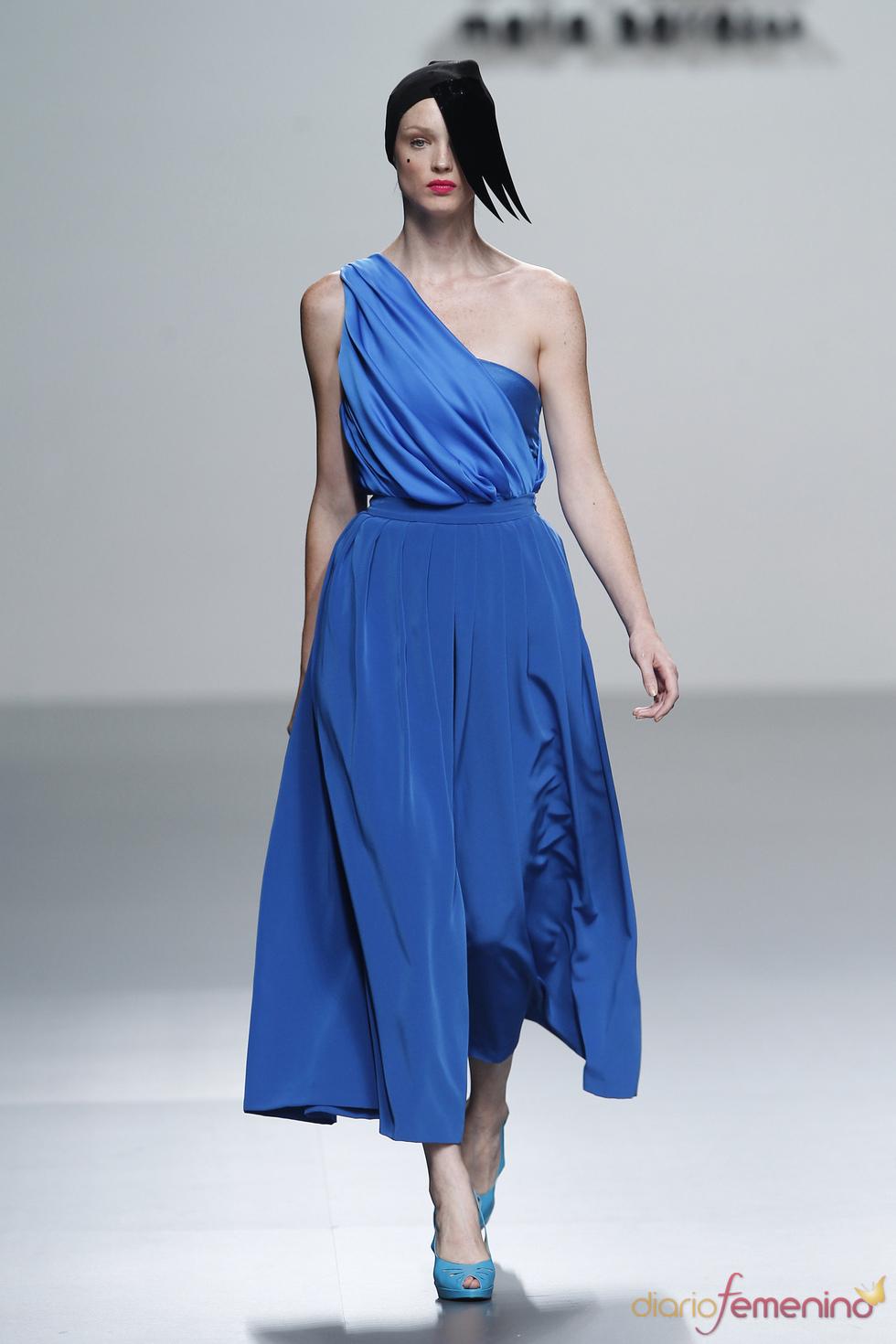 Top drapeado con aire romano firmado por María Barros en la Madrid Fashion Week
