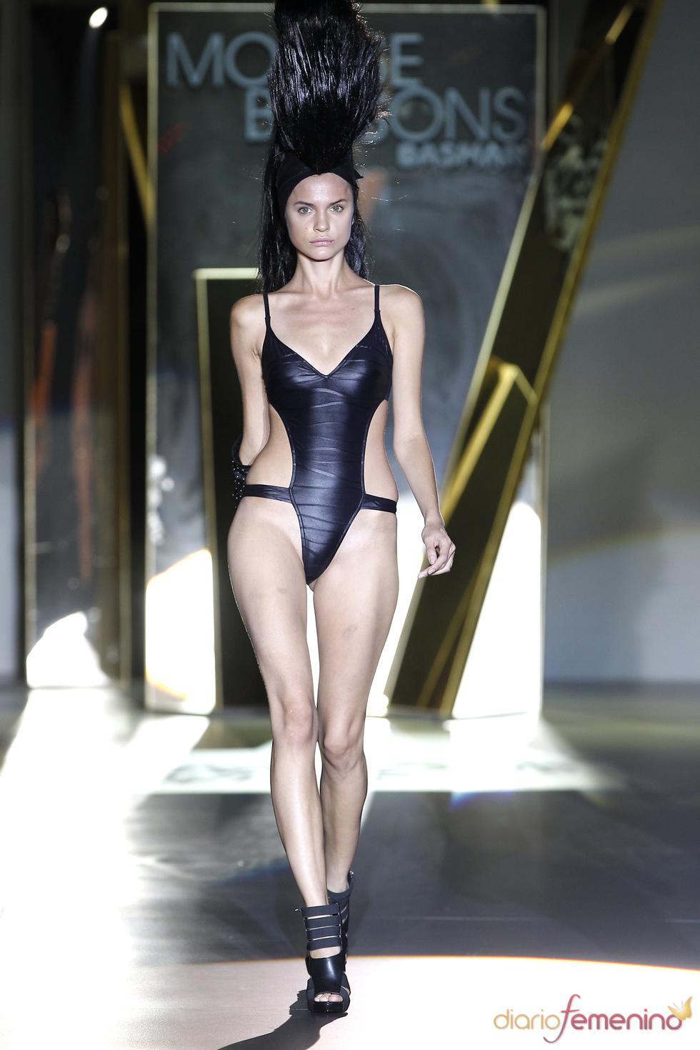 Montse Bassons crea una mujer sugerente en la Madrid Fashion Week