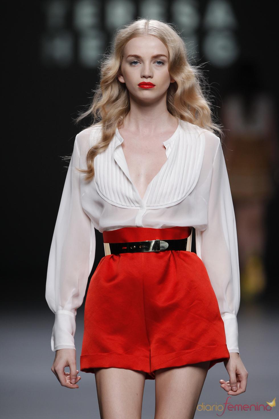 Los shorts de talle alto ganan volumen en la Madrid Fashion Week