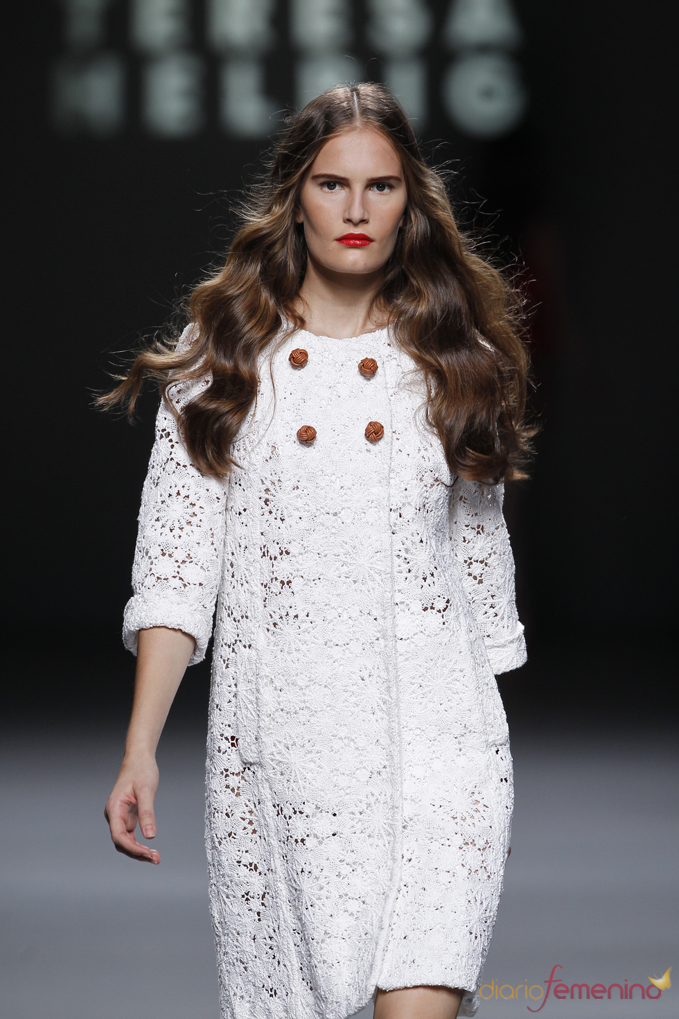El encaje blanco, protagonista de la colección de Teresa Helbig