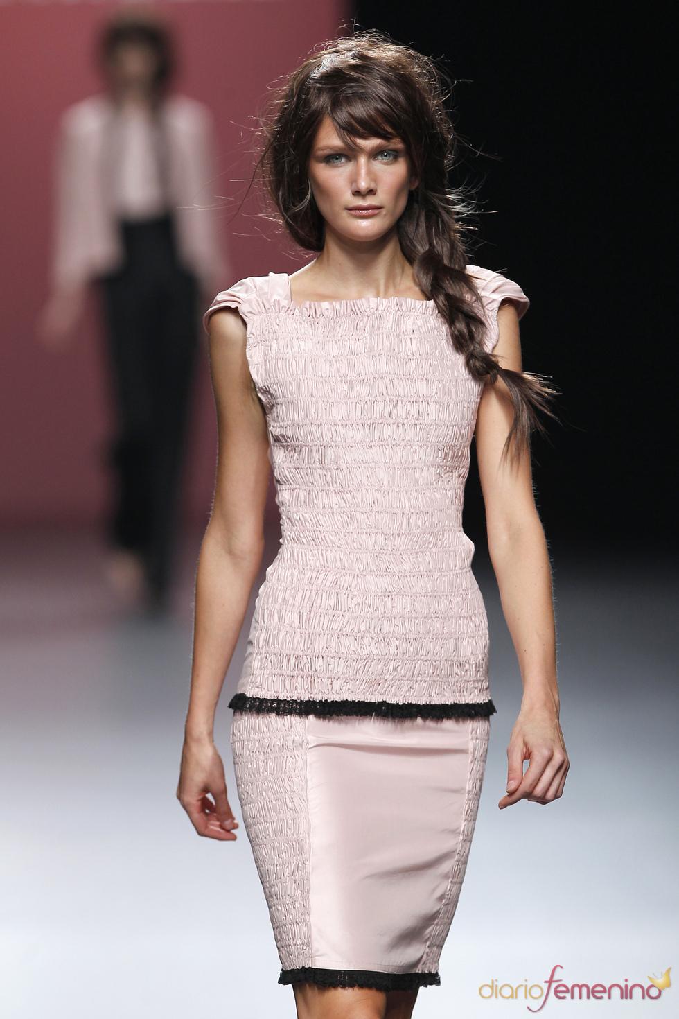 Juana Martín da forma a los fruncidos más trabajados de la Madrid Fashion Week