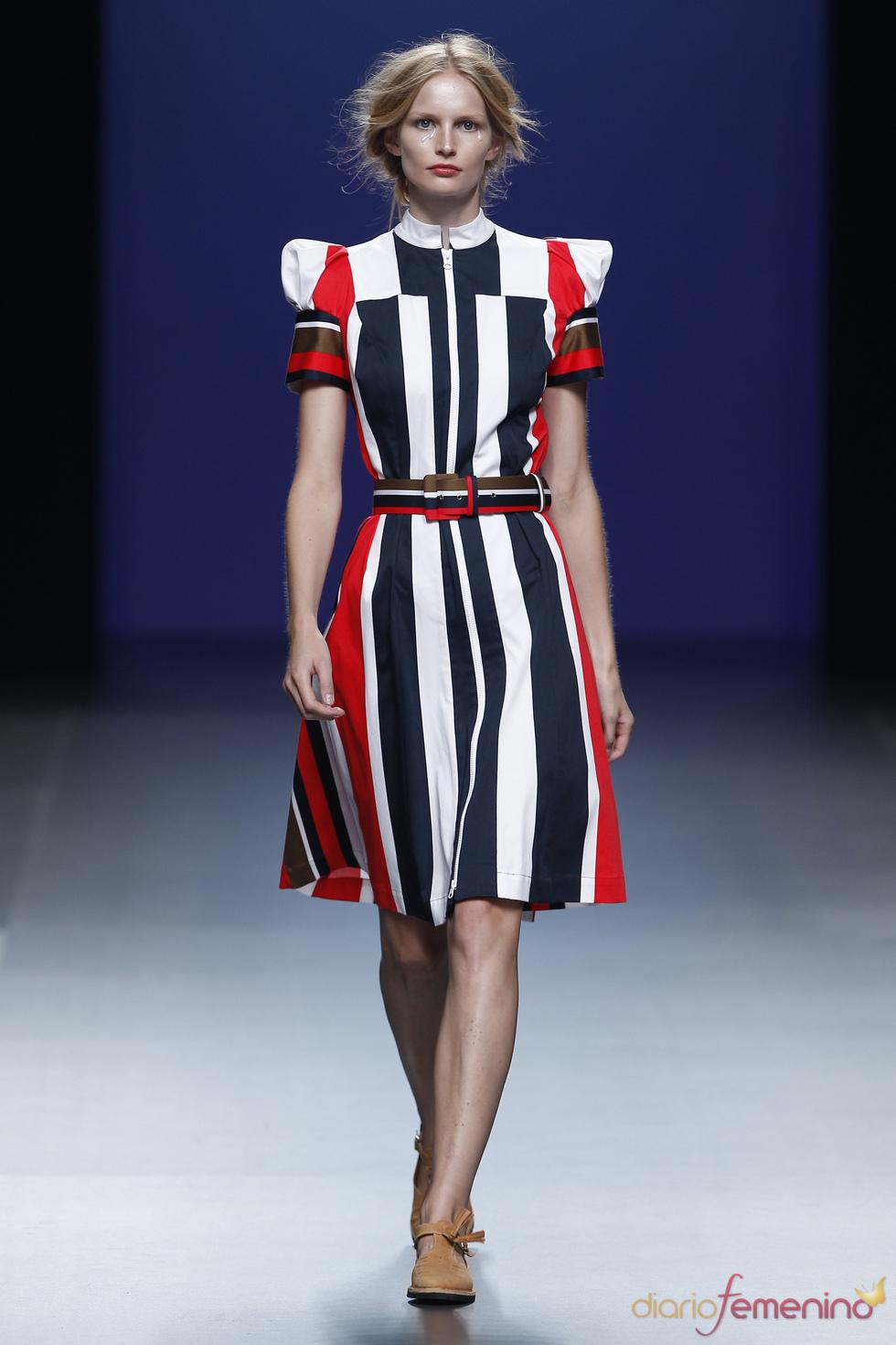 Vestido clásico de Antonio Alvarado en Cibeles Madrid Fashion Week