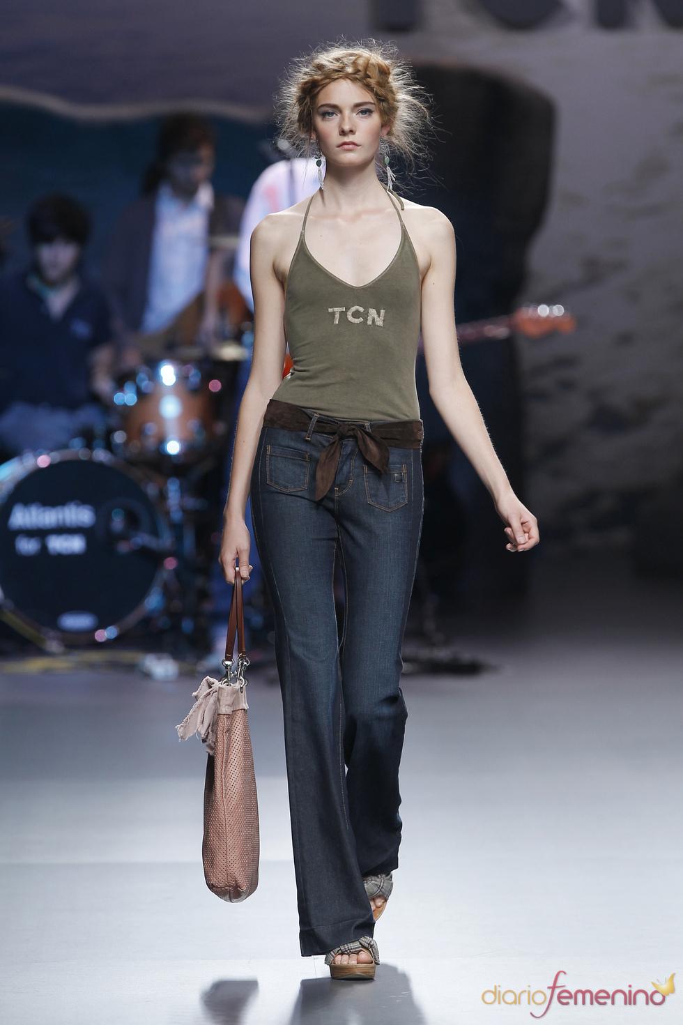 El pantalón acampanado vuelve con TCN en la Madrid Fashion Week