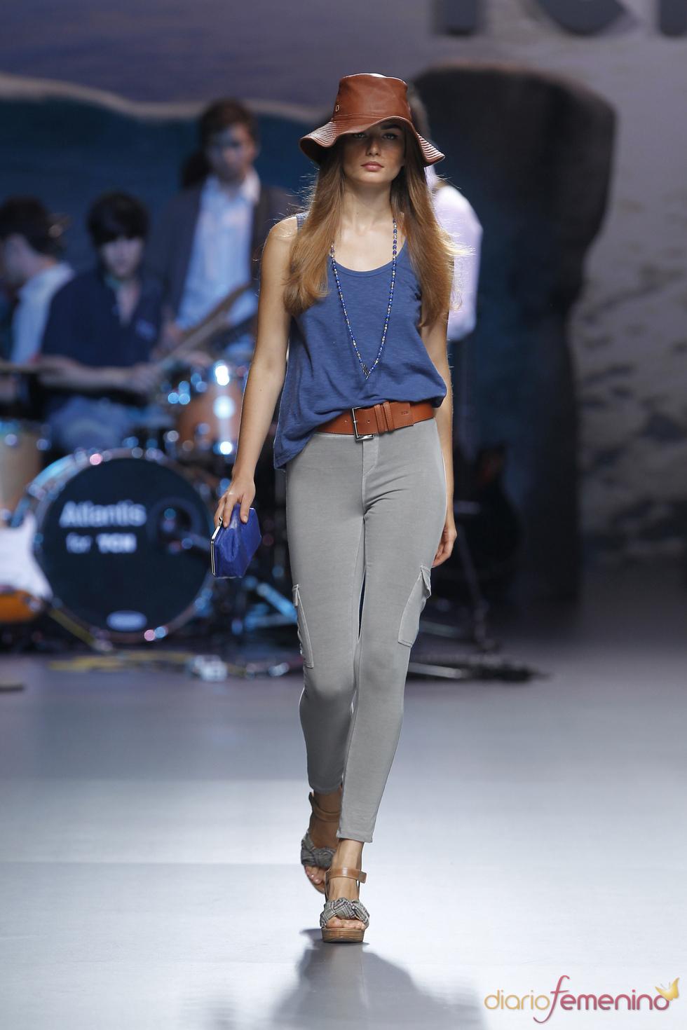 Pantalón pitillo con bolsillos de TCN para la Madrid Fashion Week