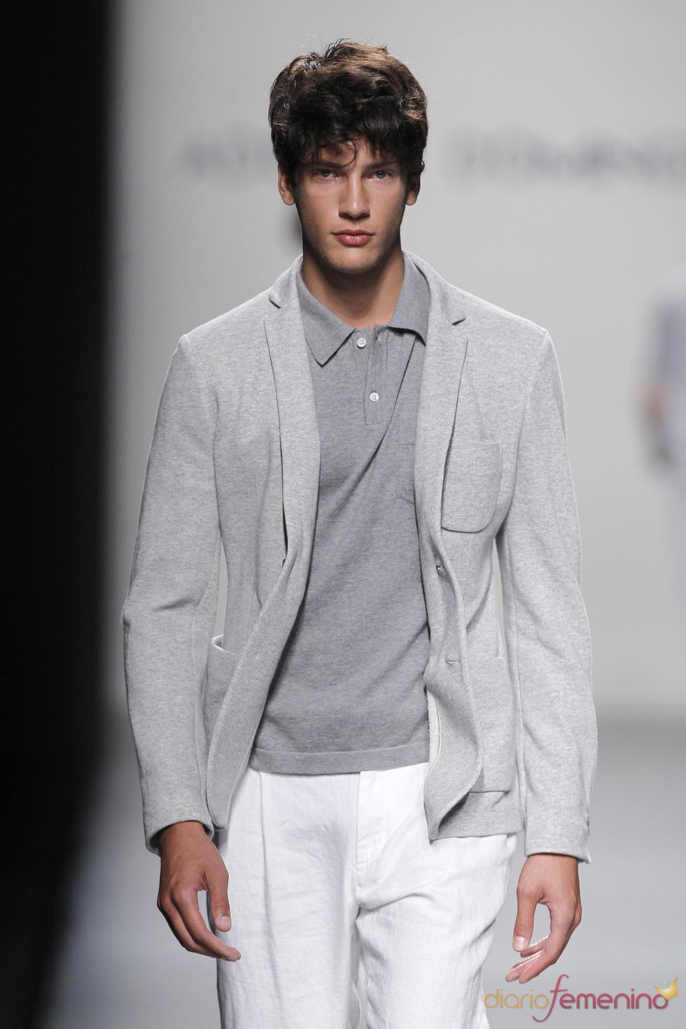 El hombre 'in' en la  primavera verano de 2011 según Adolfo Domínguez