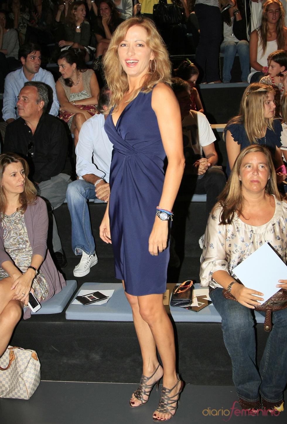 Susanna Griso en el desfile de Adolfo Domínguez en Madrid Fashion Week