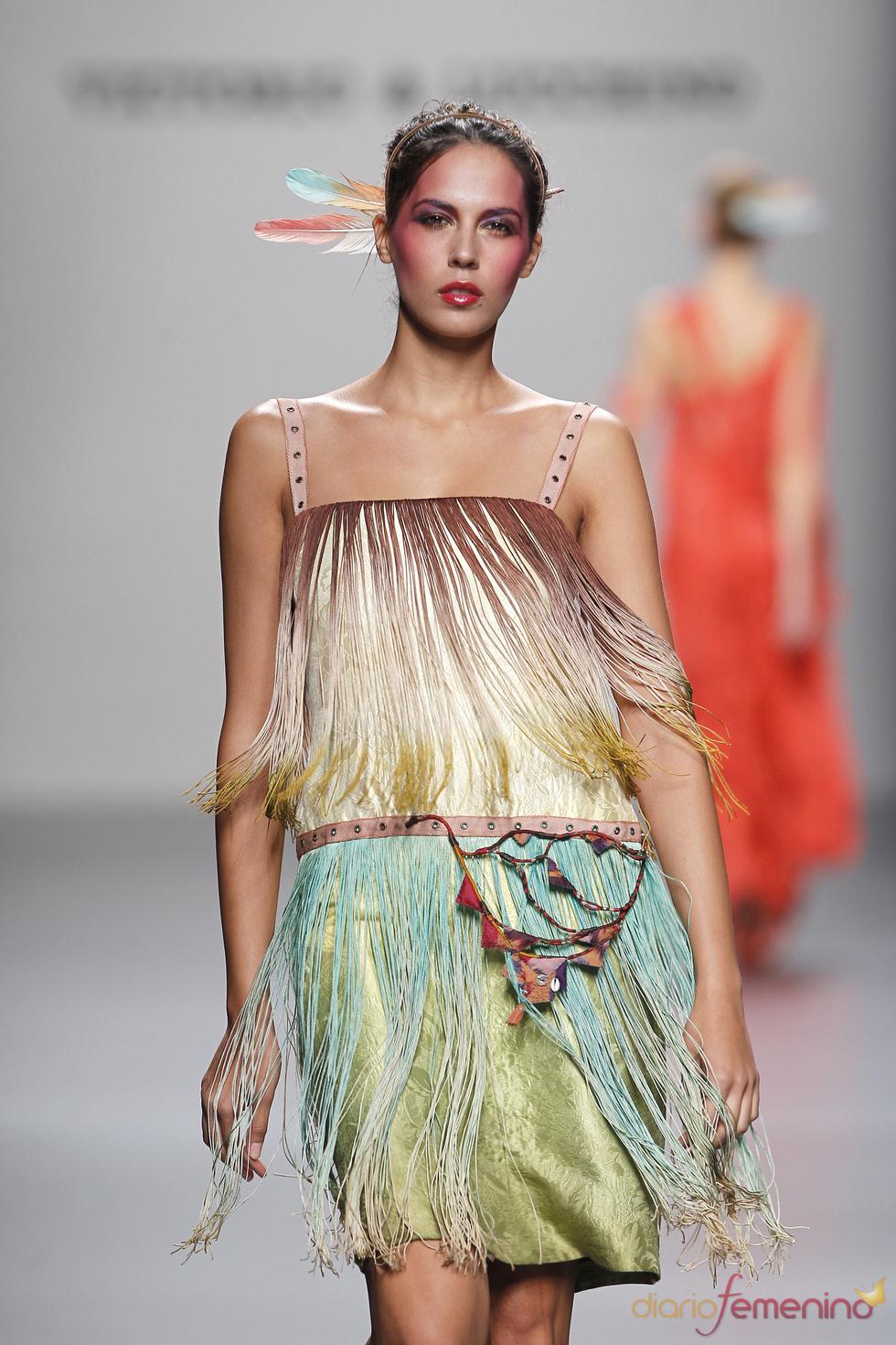 Flecos en la colección primavera-verano 2011 de Victorio & Lucchino
