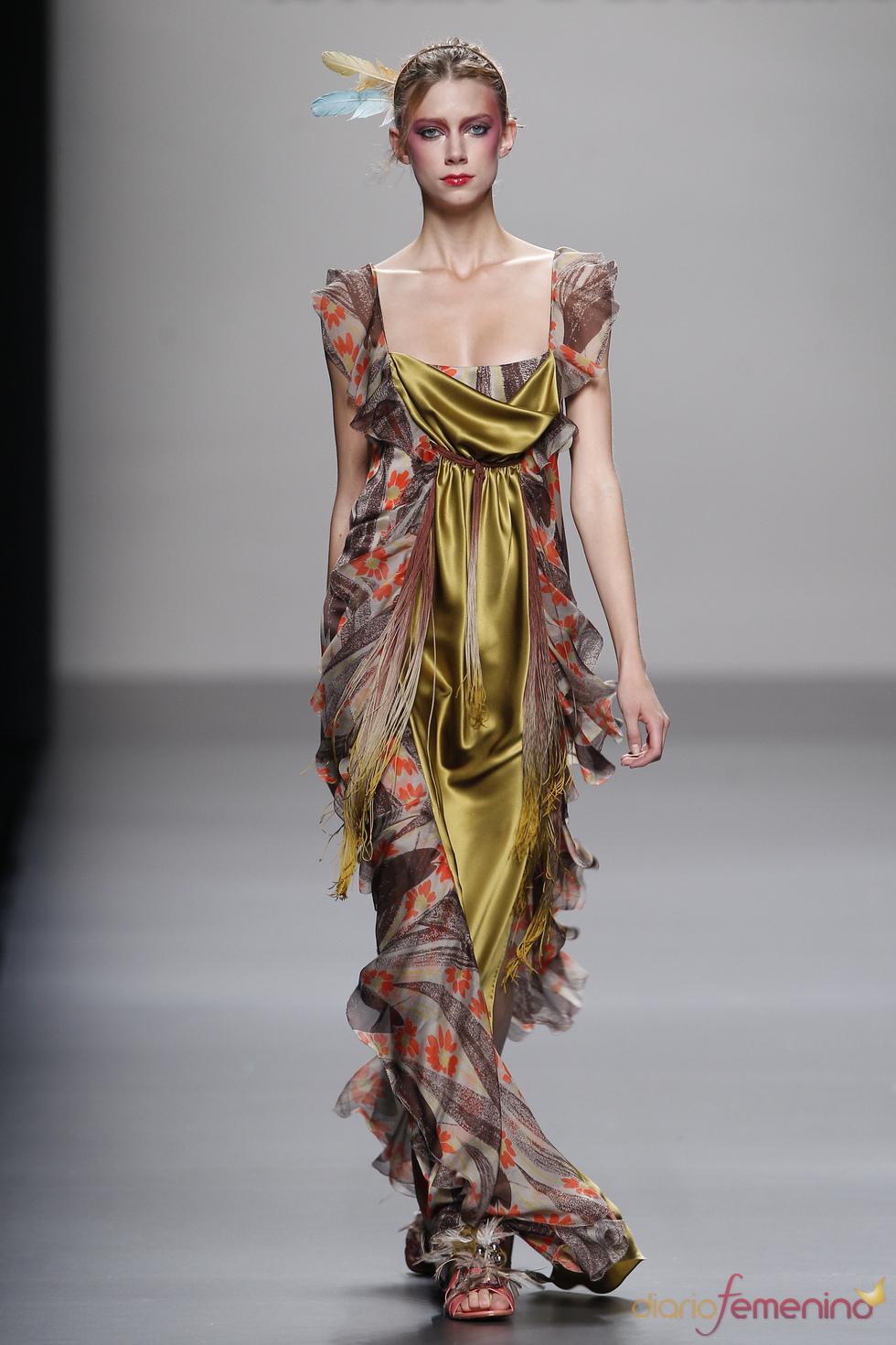 Vestido largo y elegante de Victorio & Lucchino para la primavera de 2011
