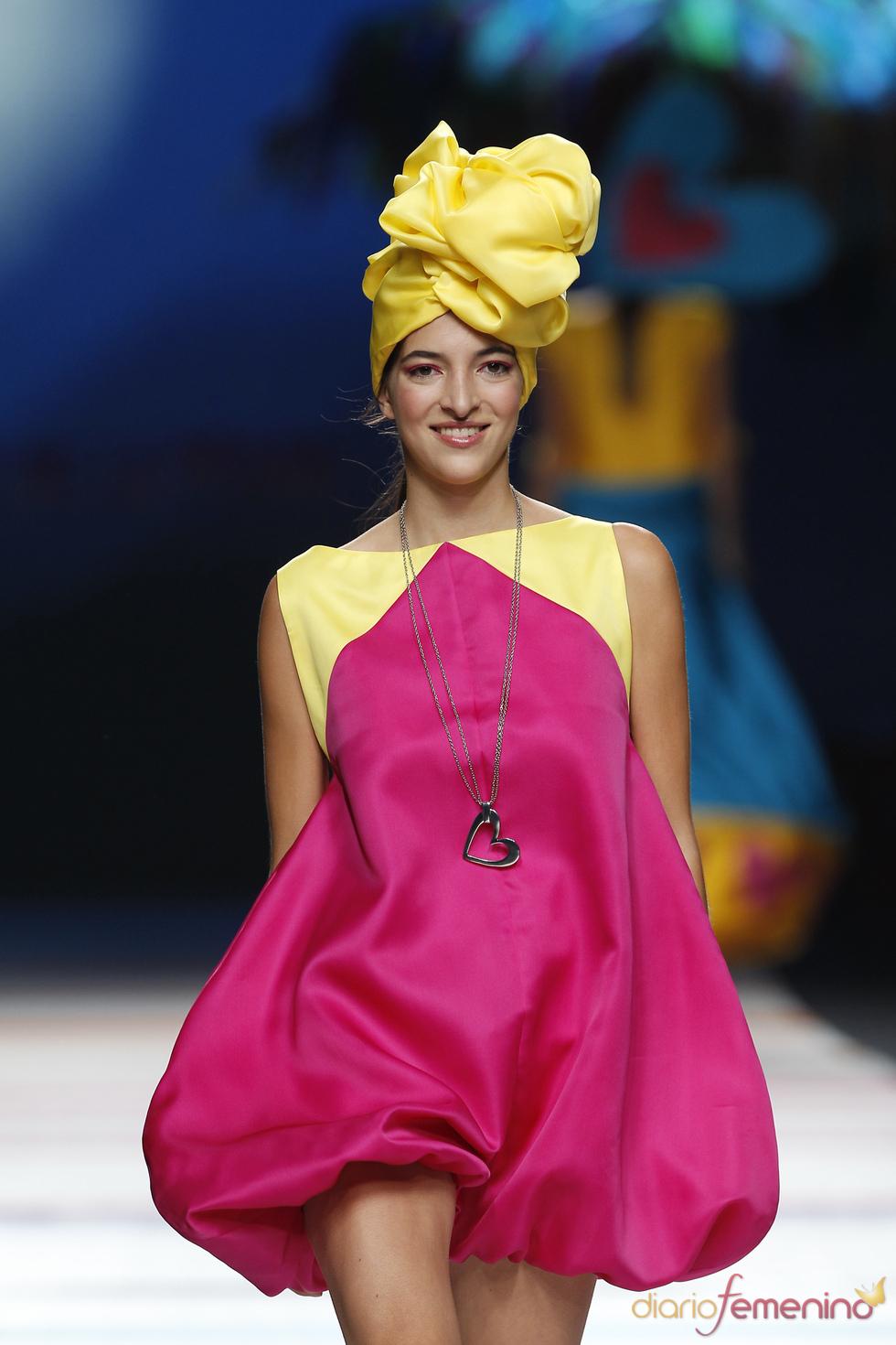 Vestido globo de Ágatha Ruiz de la Prada para la primavera 2011