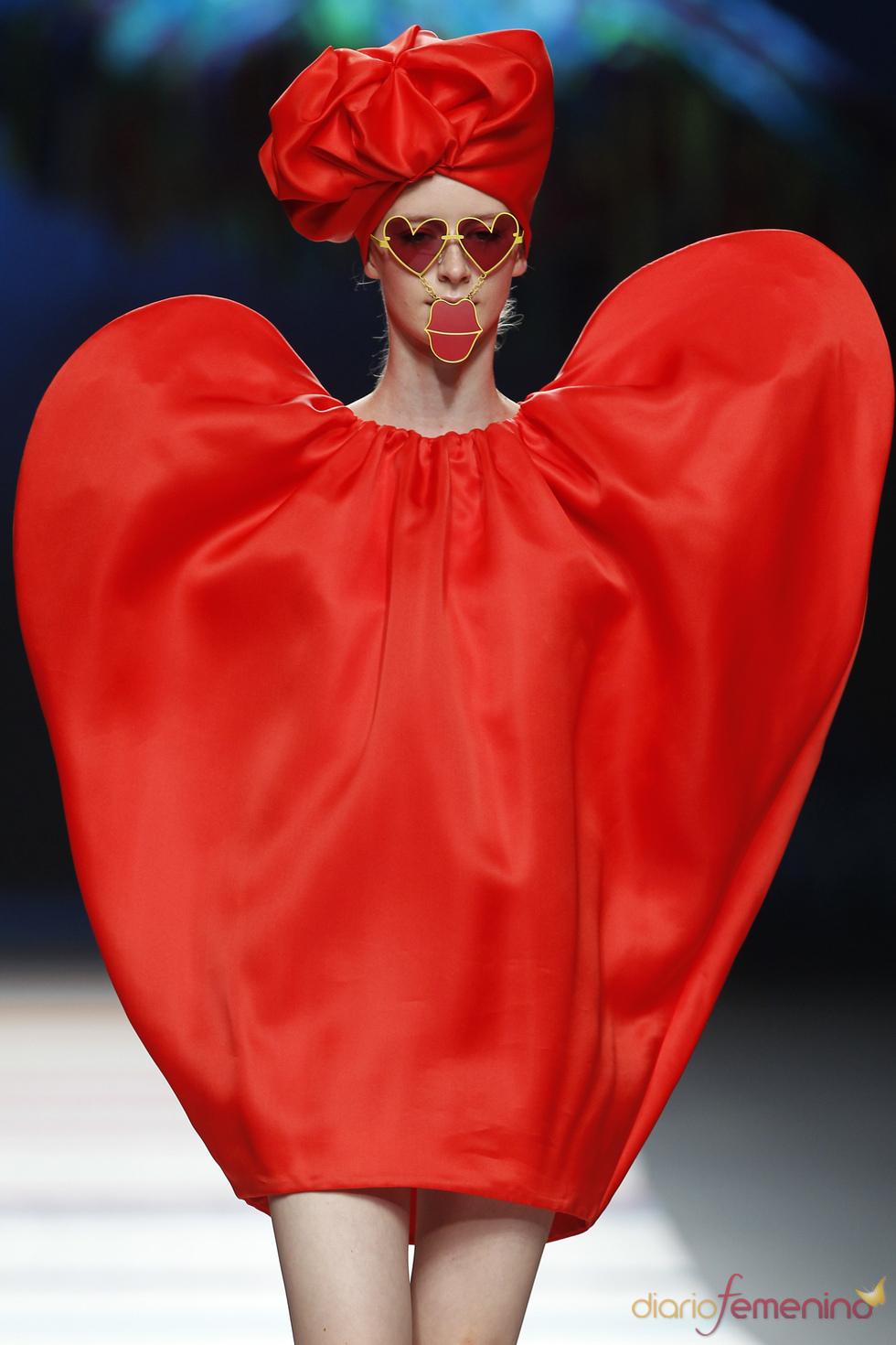 Vestido en forma de corazón de Ágatha Ruiz de la Prada