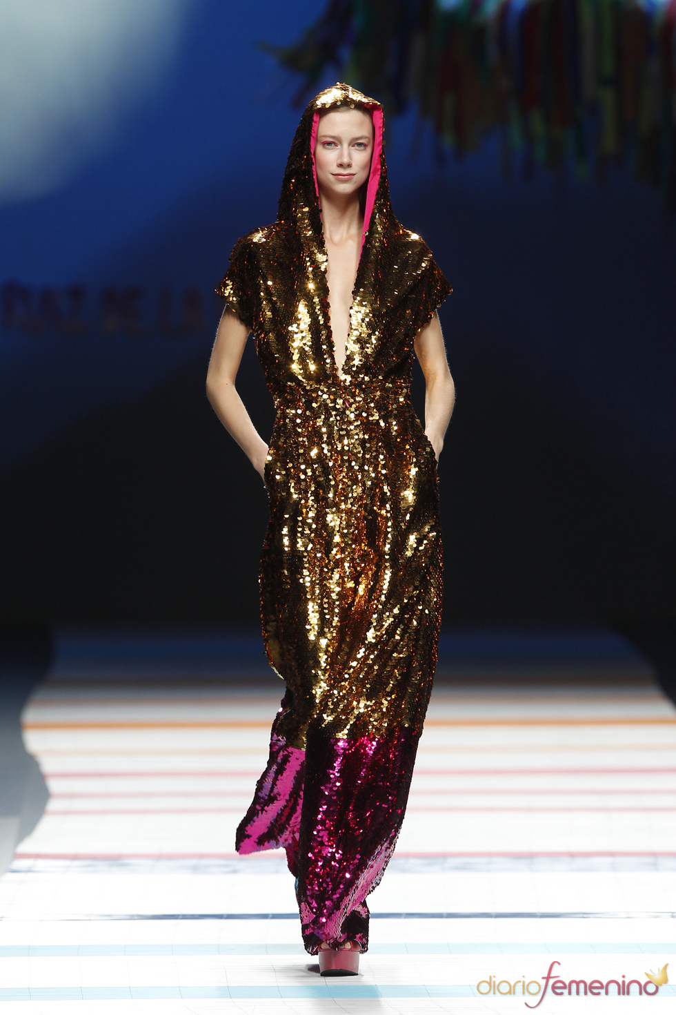 Modelo de Ágatha Ruiz de la Prada para una noche de fiesta