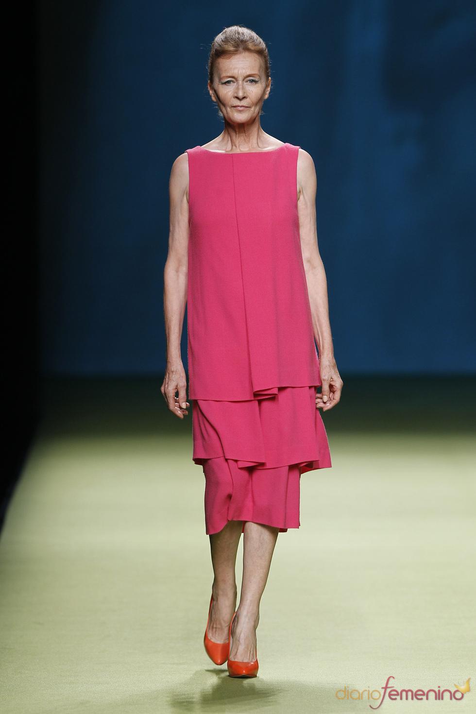 Vestido sencillo y femenino de Duyos para el verano 2011