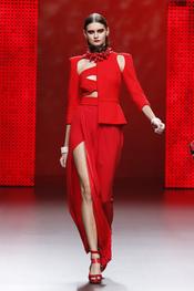 Rojo, color estrella de la colección primavera-verano 2011 de Ana Locking
