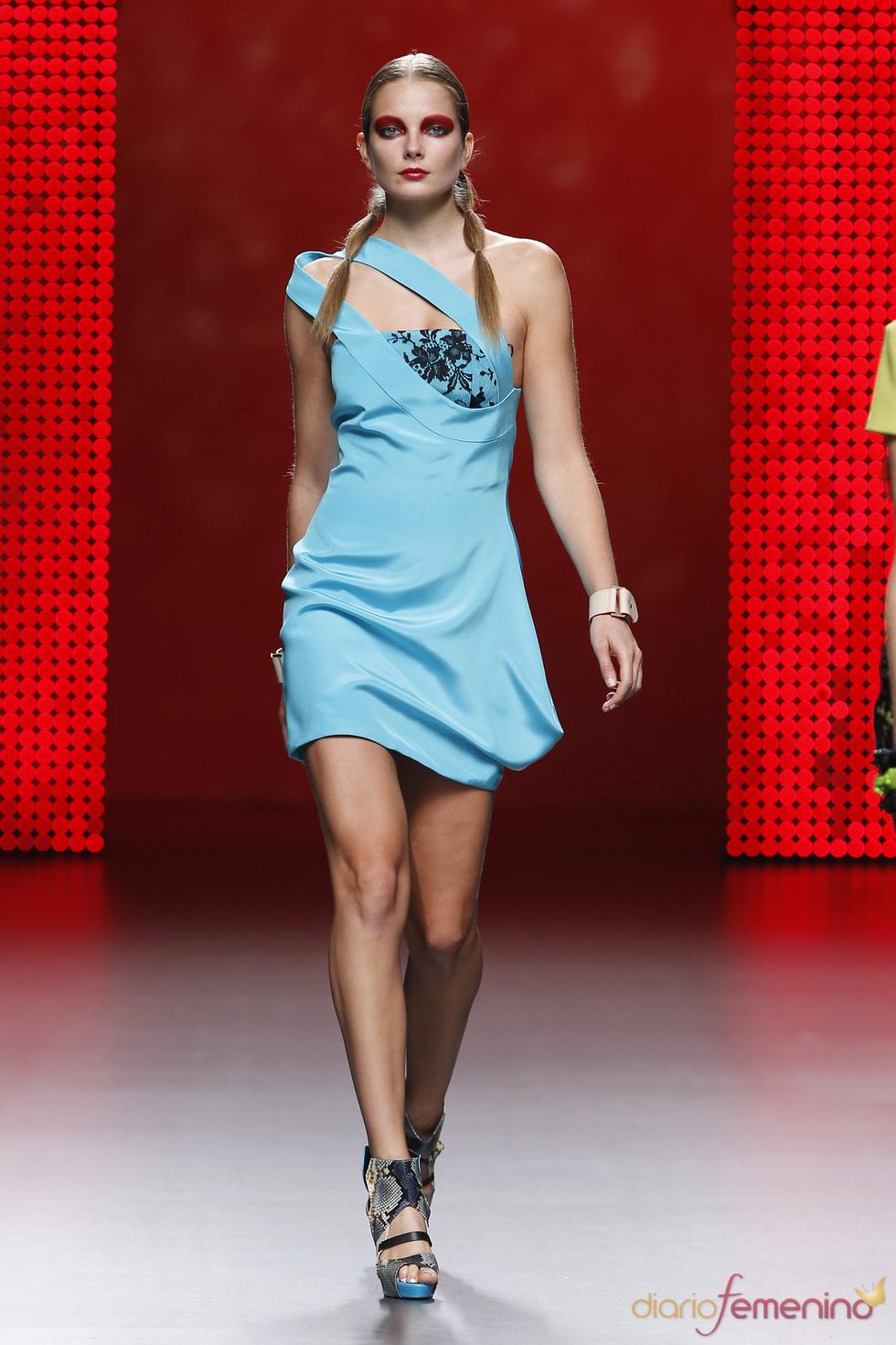 Colección primavera-verano 2011 de Ana Locking: vestidos con encanto