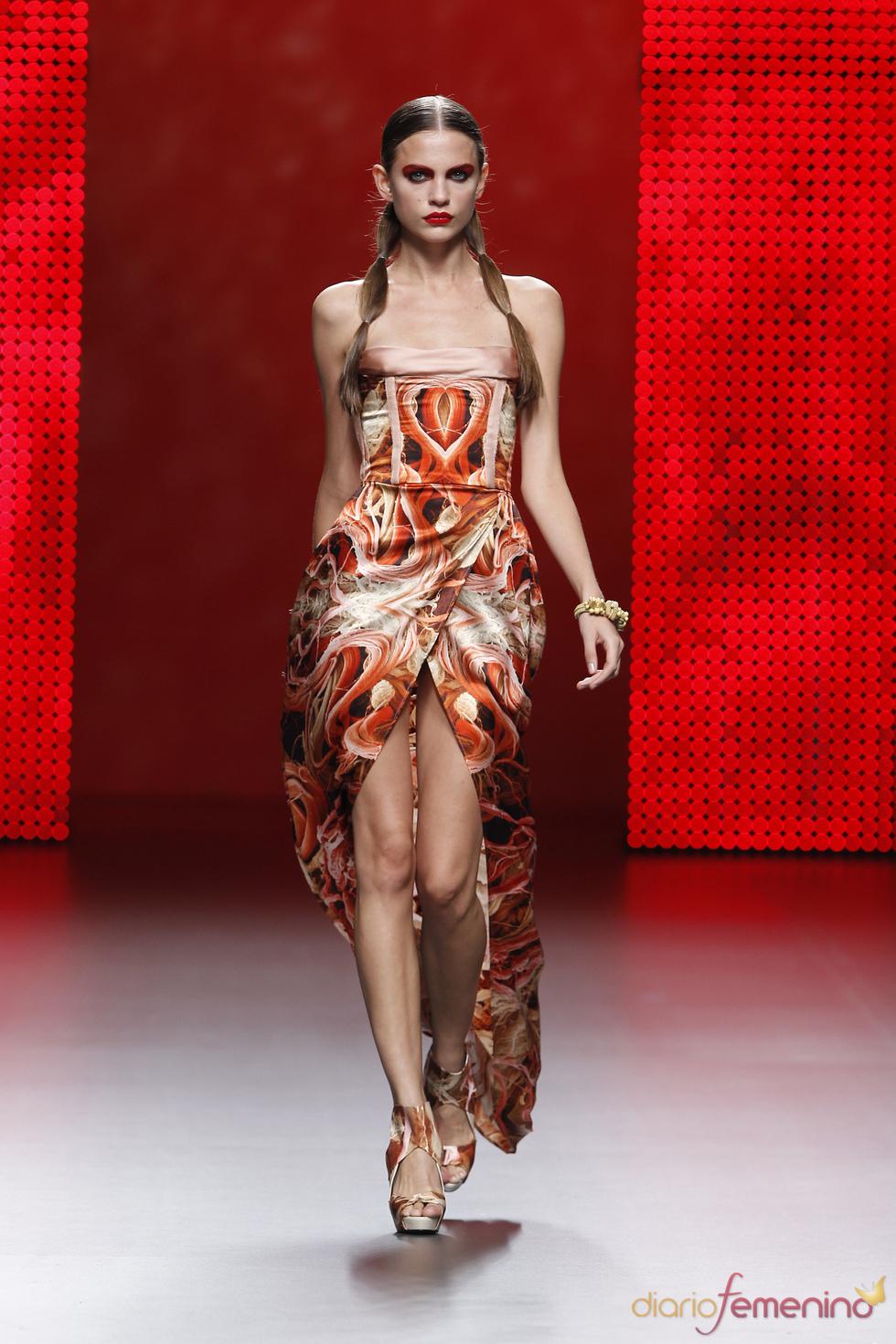 Vestido palabra de honor de Ana Locking para el verano 2011