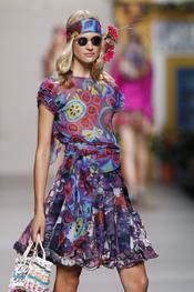 Francis Montesinos se insira en Ibiza para su colección primavera verano 2011