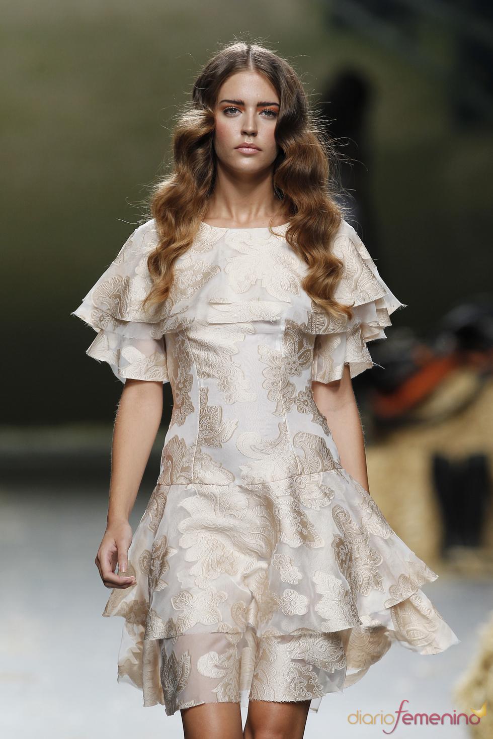 Vestido de fiesta de Alma Aguilar para el verano de 2011