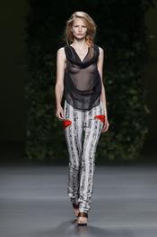 Propuesta sobria de Devota & Lomba en Cibeles Madrid Fashion Week