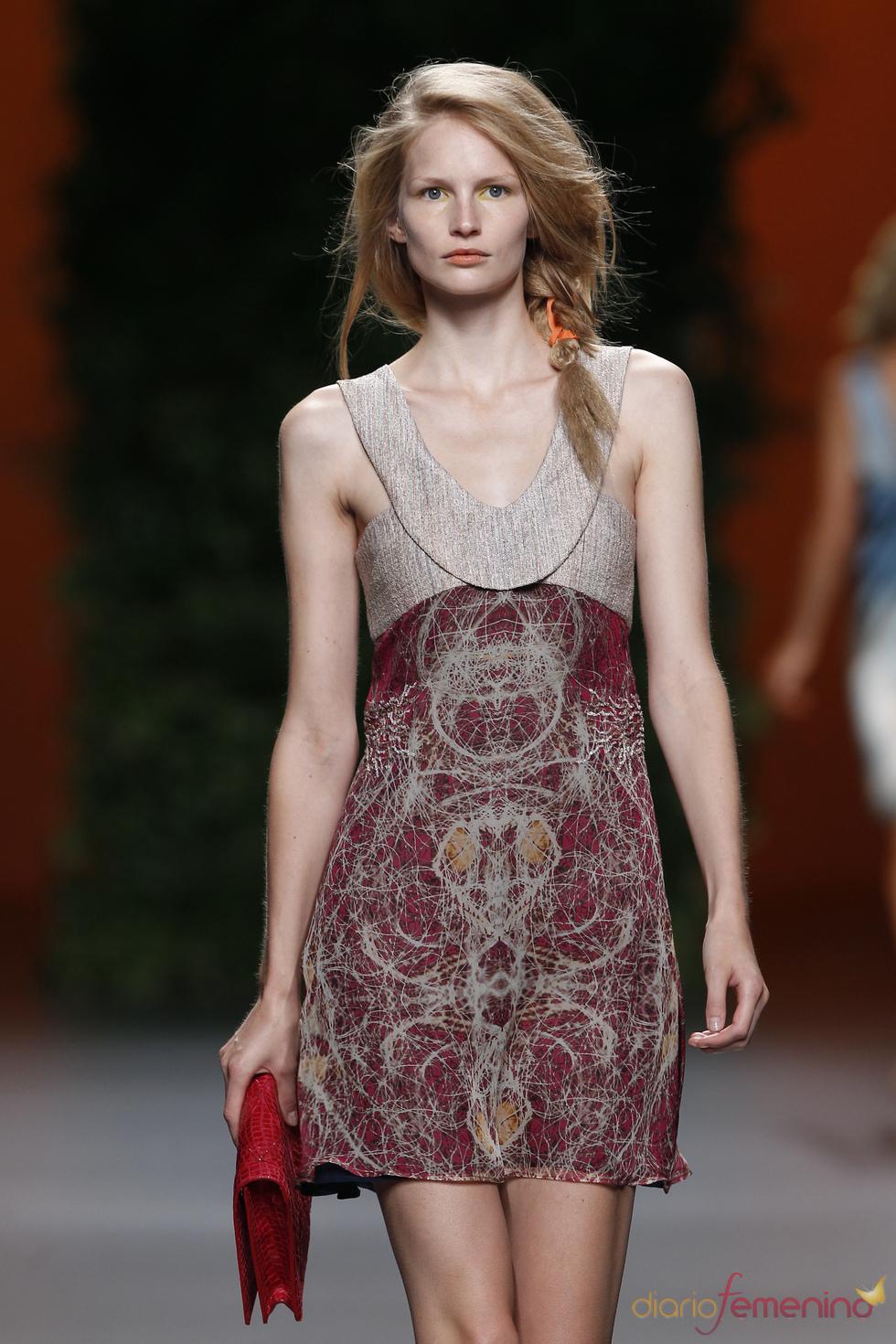 Vestido elegante de Devota & Lomba en la Pasarela Cibeles 2011