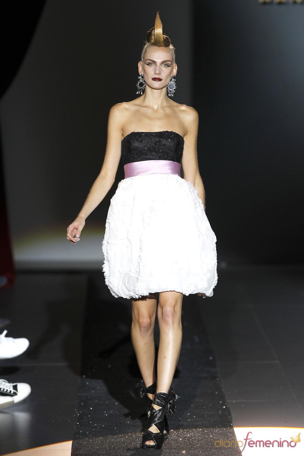 Hannibal Laguna presenta una colección suntuosa para la primavera-verano 2011