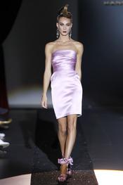 Hannibal Laguna presneta sus vestidos de fiesta para la primavera-verano 2011