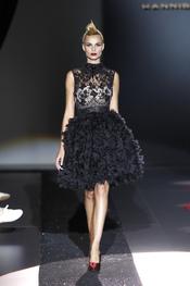 Hannibal Laguna da un toque de glamour a la mujer con sus diseños para el 2011