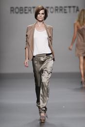 La colección primavera-verano 2011 de Roberto Torrettallega con tejidos suaves